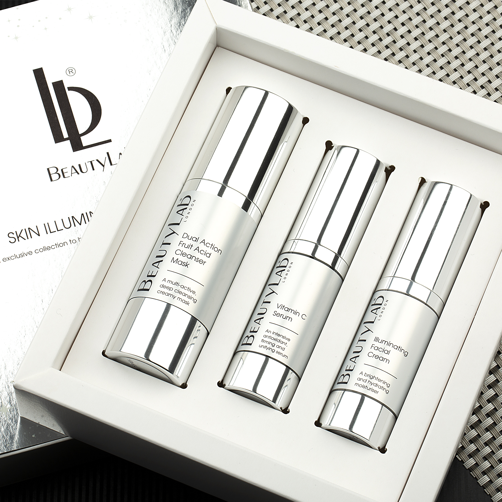 Skin Illuminating Beauty Gift Set products